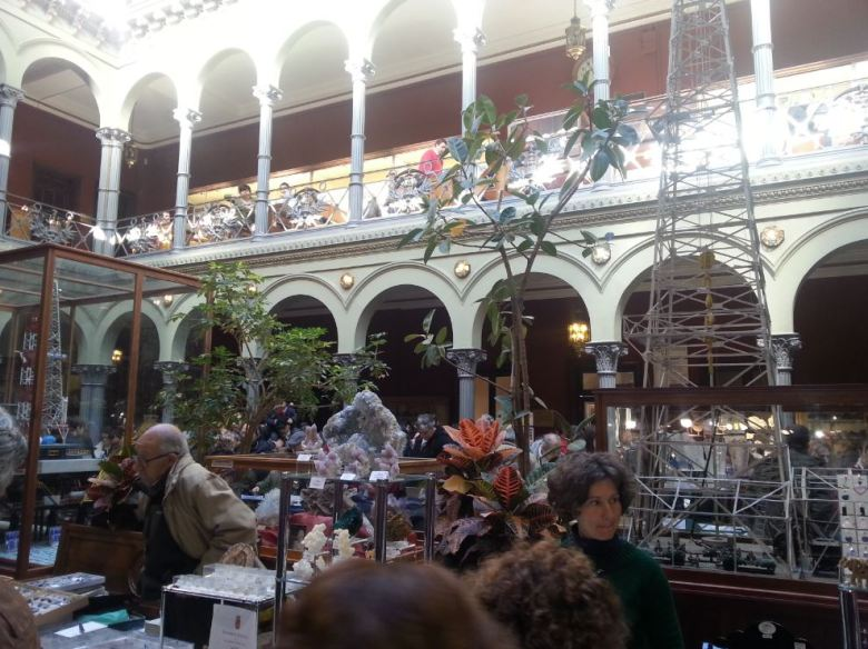 Mercadillo de minerales. ESTIM. Madrid
